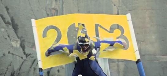 Crazy Wingsuit Maniac takes 250 km/h dive through tiny cave