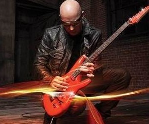 Joe Satriani –  Unstoppable Momentum – Album Review