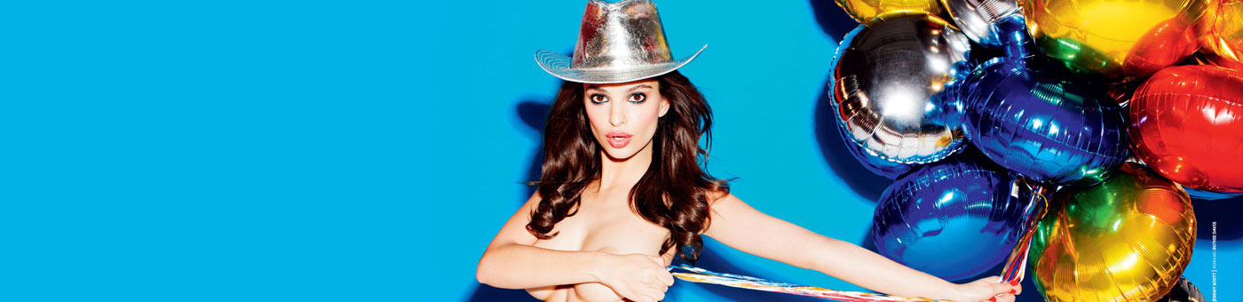 """Blurred Lines"" Model Emily Ratajkowski Blurs nothing for GQ"