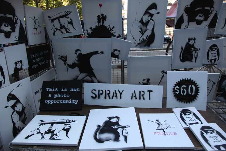 Banksy in New York – Sells $225 000 worth of original art for $420
