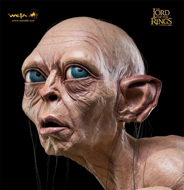 Must Have: Life size Gollum Statue by WETA workshop
