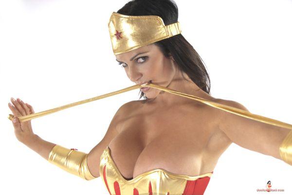 Denise Milani Wonder Woman cosplay courtesy of denisemilani.com