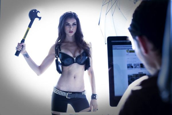"Cosplay Girl LeeAnna Vamp Visits ""TheChive"""