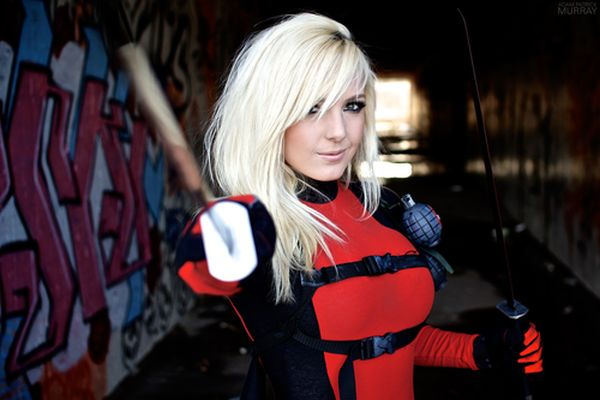 Jessica Nigri – Lady Deadpool Cosplay