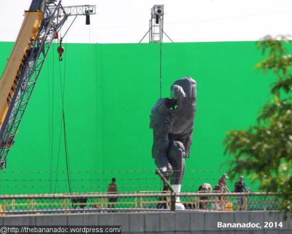 Huge Superman Statue Erected for 'Batman v Superman: Dawn of Justice'