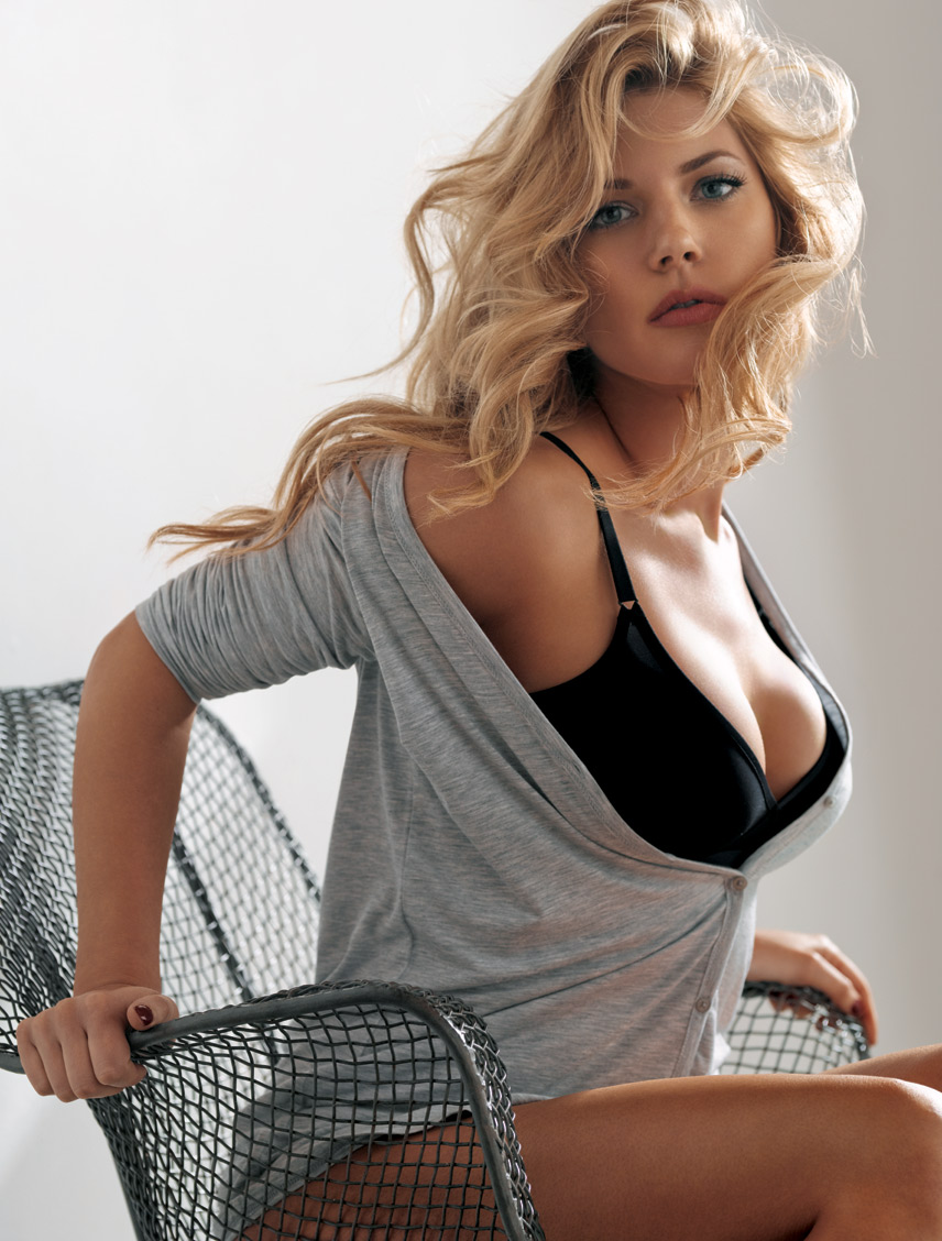 Vikings Star Katheryn Winnick Photo Gallery