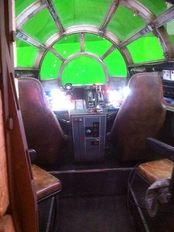 'Star Wars: Episode 7' Millennium Falcon's Sexy Interior Pics