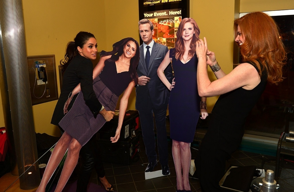 Sarah Rafferty suits cast