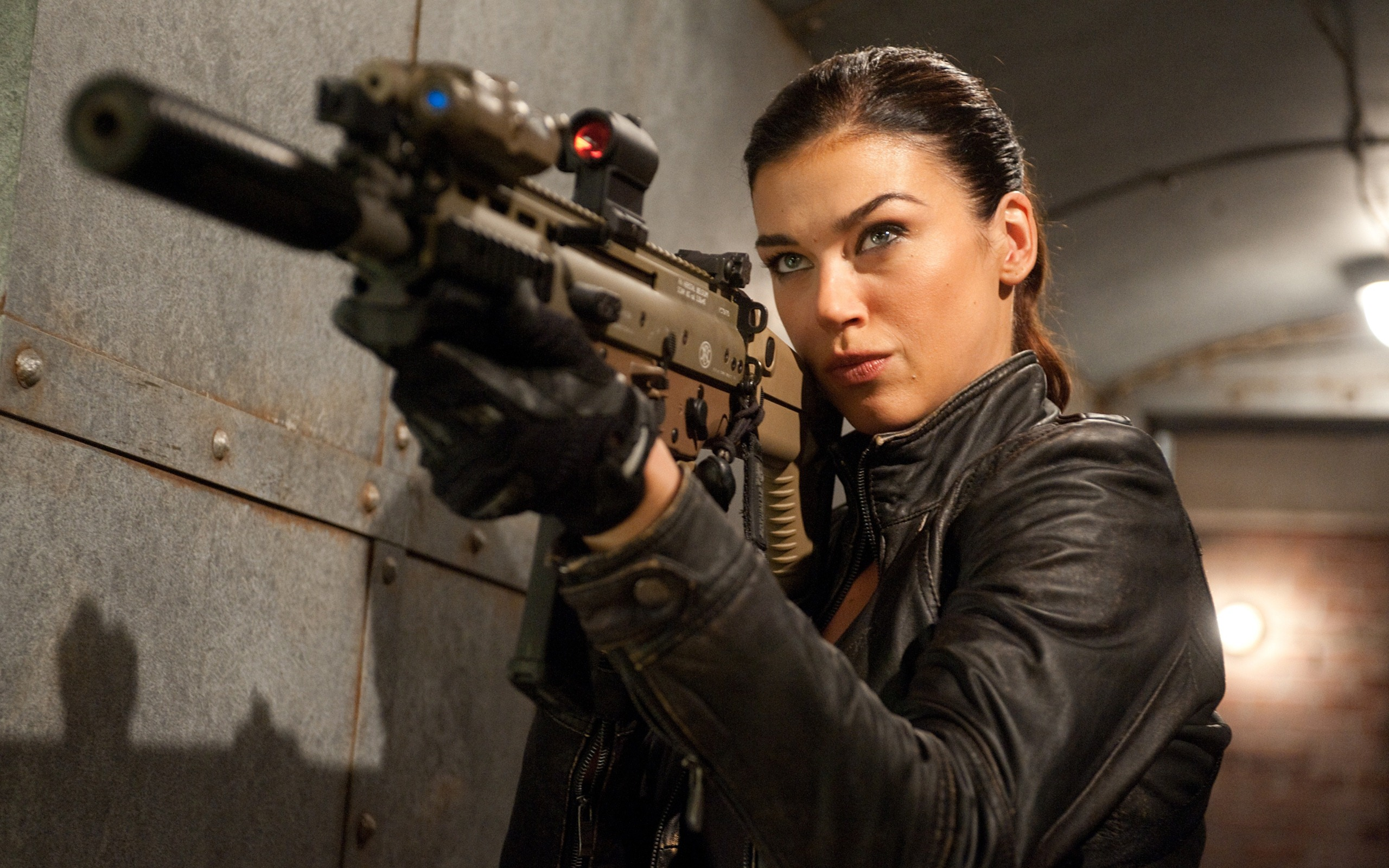 Adrianne-Palicki shield 1