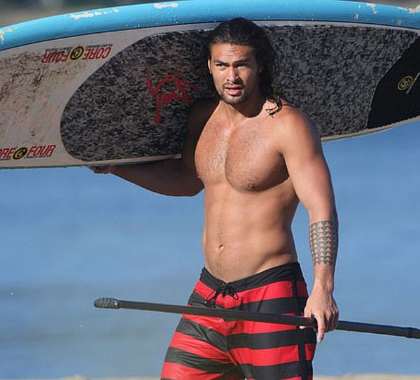 Jason Momoa Finally Confirmed as 'Aquaman'