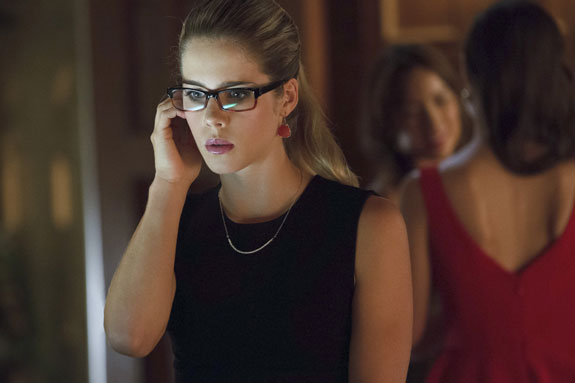 Emily-Bett-Rickards-Arrow 2
