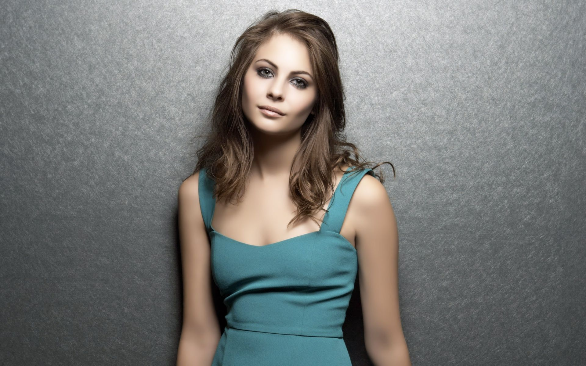 willa-holland-arrow-wallpaper 1