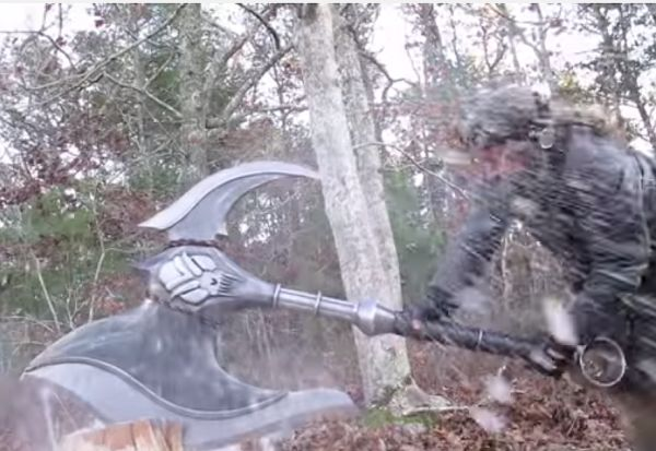 Video: Man Smashing Stuff With 106-Pound Darius Axe Is As Cool As it Sounds