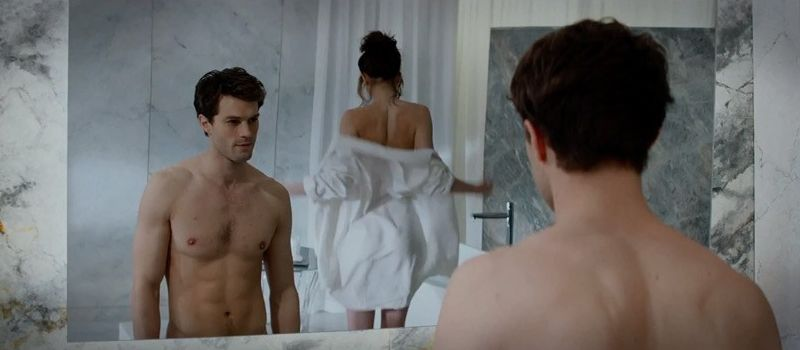 'Fifty Shades of Grey' Movie Disappoints As Reviews Flood In