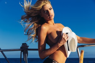 Top Sexiest Charlotte McKinney GIF Gallery