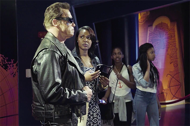 Awesome Real Arnold Schwartzenegger Wax Museum Prank