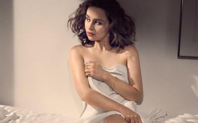 13 Sexy Emilia Clarke GIF Images