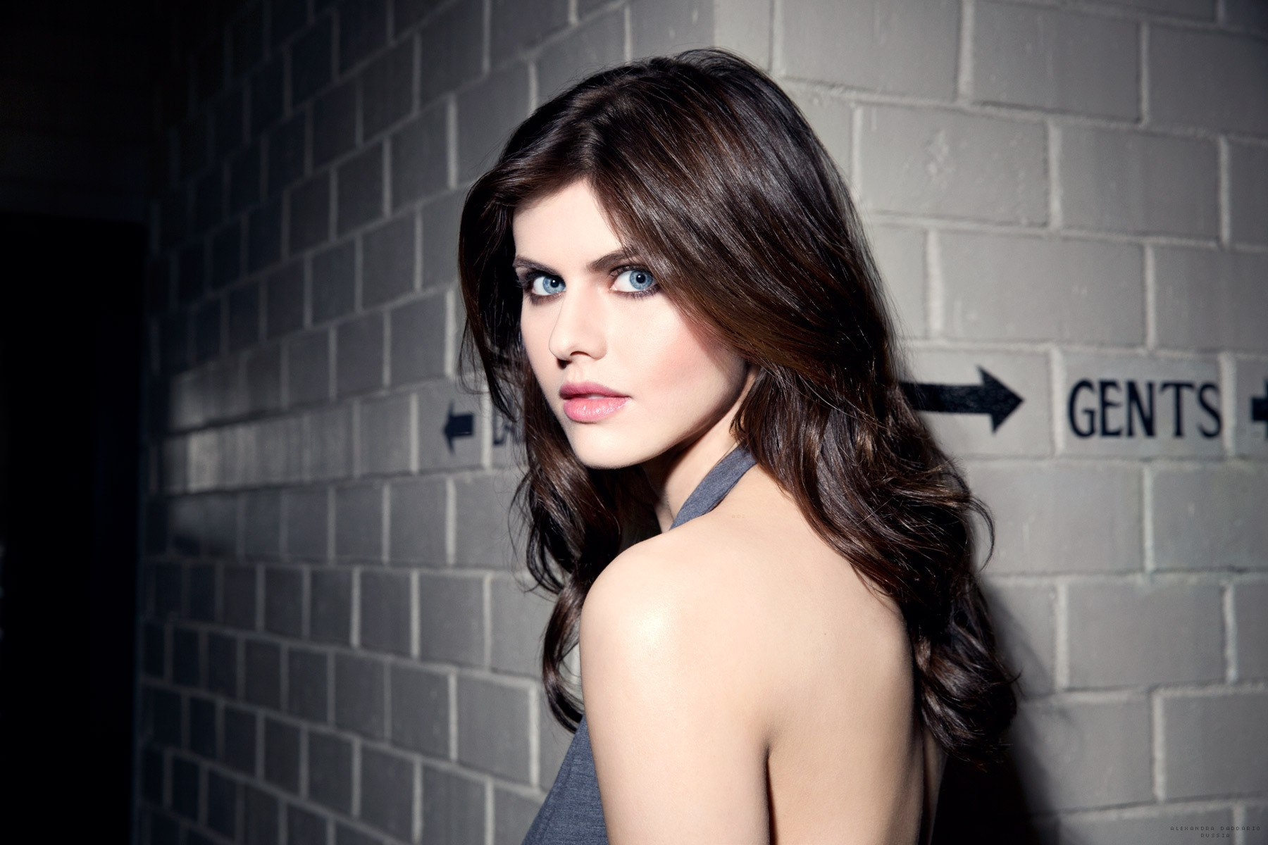 top 10 sexiest alexandra daddario gif collection
