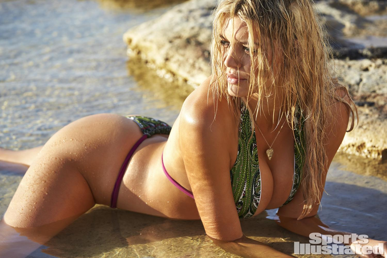 baywatch babe kelly-rohrbach shines in sexy 2016-sports-illustrated swimsuit edition 3