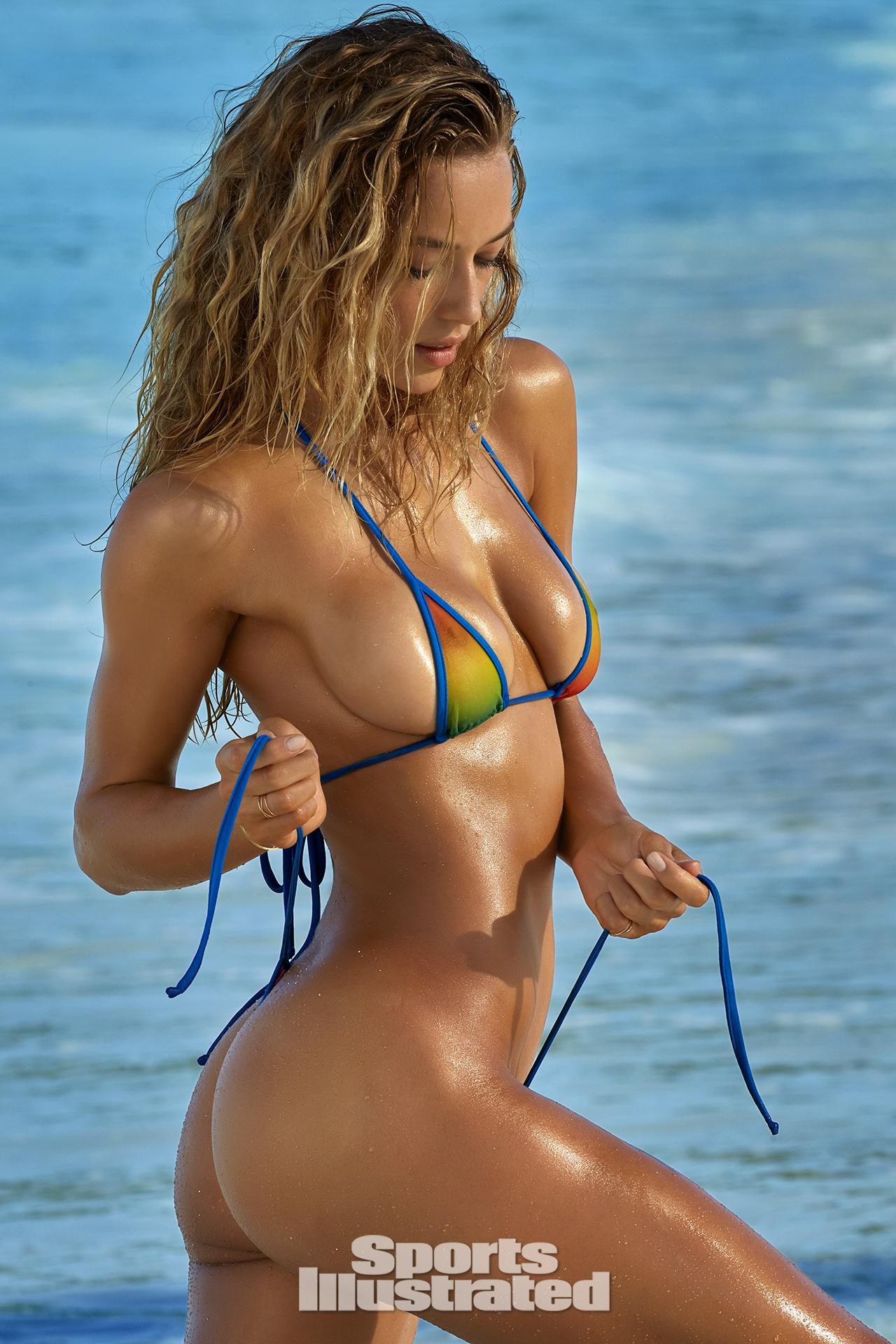 from Dominik nude si swimsuit girls