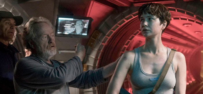 Interview: 'Alien: Covenant' Star Katherine Waterston on Neomorphs and Action Stardom