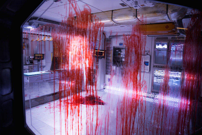 New ALIEN: COVENANT Photos Feature a Bloody Mess and an Eerie Xenomorph Hallway